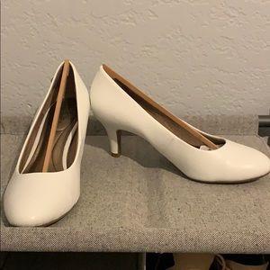 LifeStride white heels
